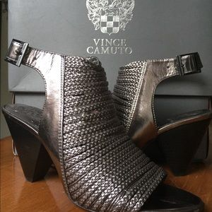 Vince Camuto Entik Pewter Sandal - New in Box